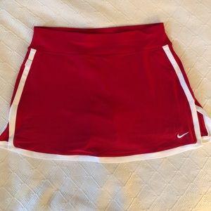 Nike border tennis skirt.